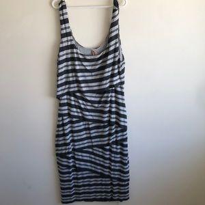 Gray striped layered stretch scoop dress